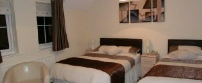 Triple Room with en-suite – Room 10