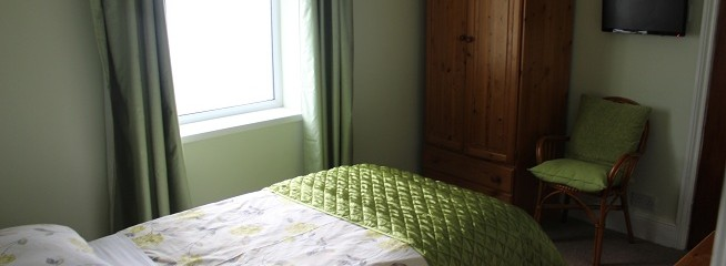 Single room with en-suite Room 7